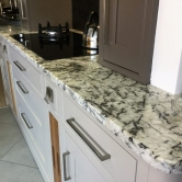 2017_kitchen_marble_effect_work_top2